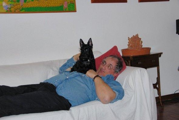 Gwendolyn con il suo machissimo papà. Perchè non tutti gli scotti hanno la mia sfortuna, in fatto di bipedi.